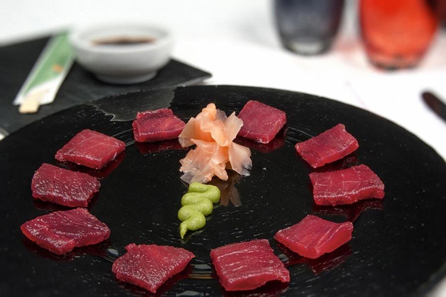Sashimi de lomo de atún rojo