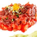 Tartar de atún rojo con tomate macerado en ponzu