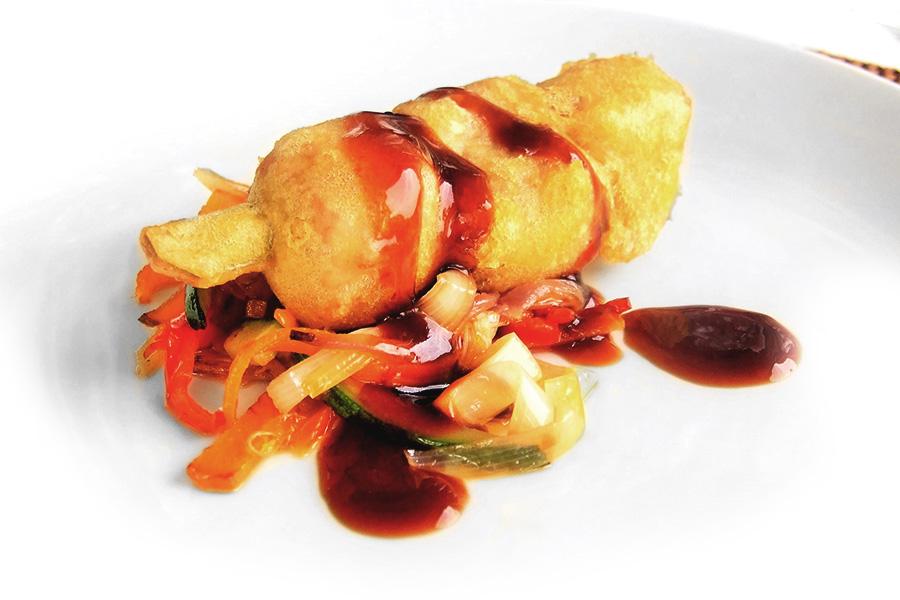 Pincho de tarantelo de atún rojo en tempura del restaurante del club de golf Valderrama