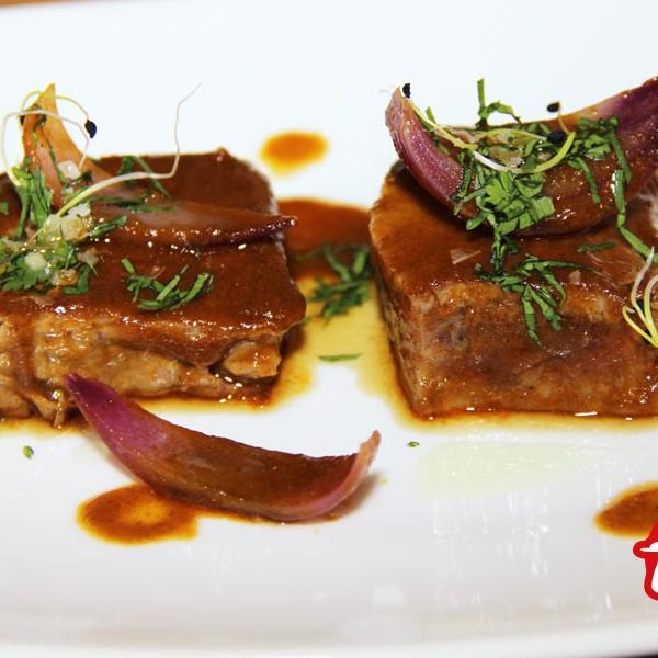 Atún rojo salvaje con salsa de curry