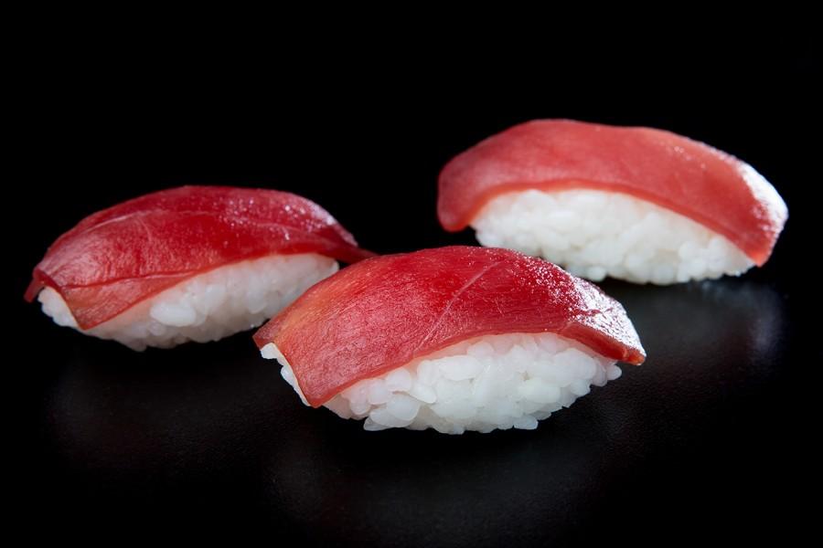 Nigiri de atún rojo - Plato al Centro