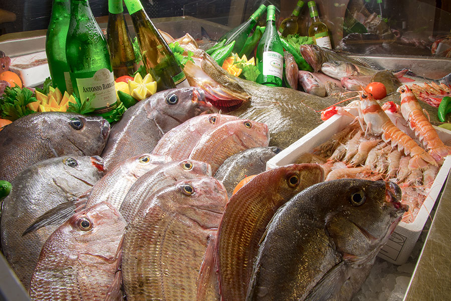Pescados en Restaurante Antonio Zahara