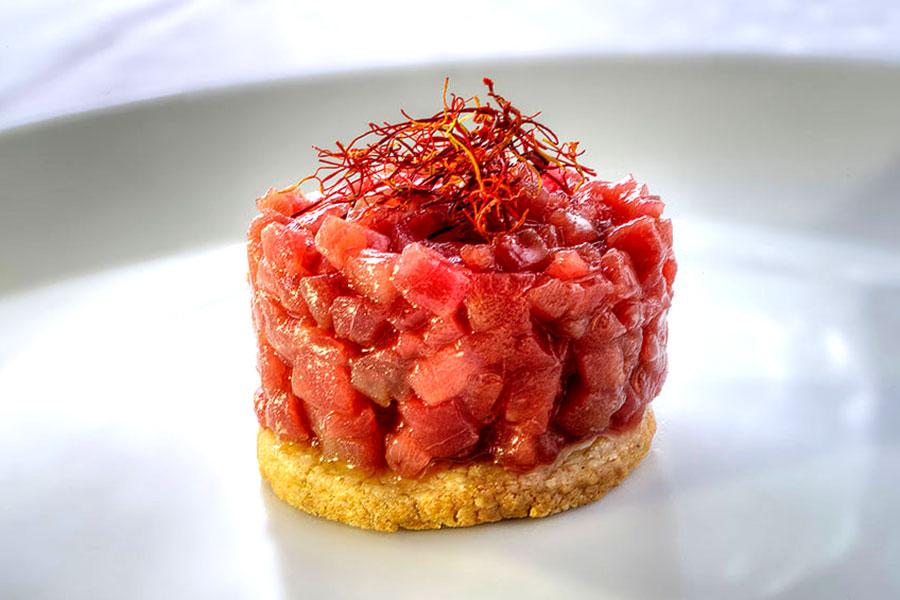 Tartar de atún rojo con queso payoyo - Restaurante Pradillo