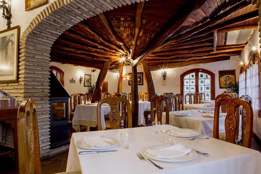 Salón en restaurante Venta Pinto