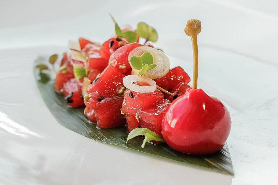 Dados de descargamento de atún rojo marinados al momento en El Campero