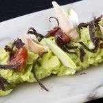Ensaladilla verde de manzana, melva y corazón de atún