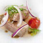 Ensalada de tarantelo de atún rojo maridada con fino de Bodegas Tradición