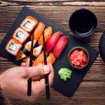 ¿El Sushi cómo lo quieres, de atún o salmón?