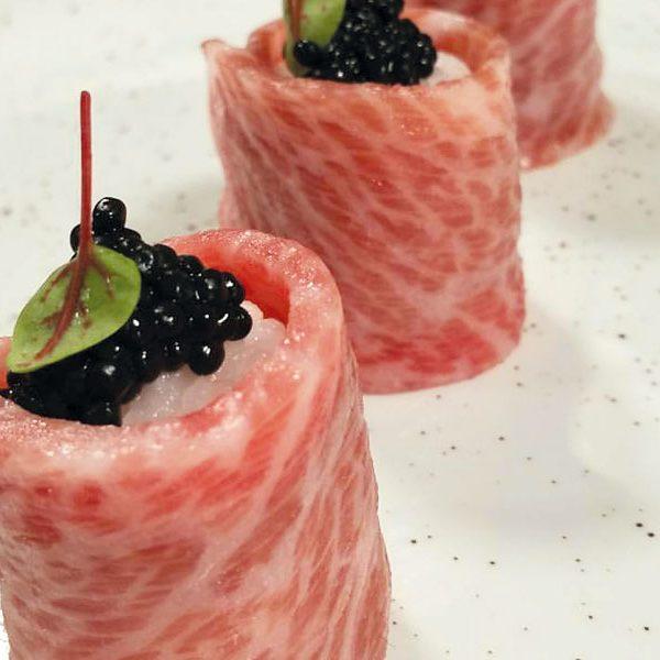 sushi de atún rojo
