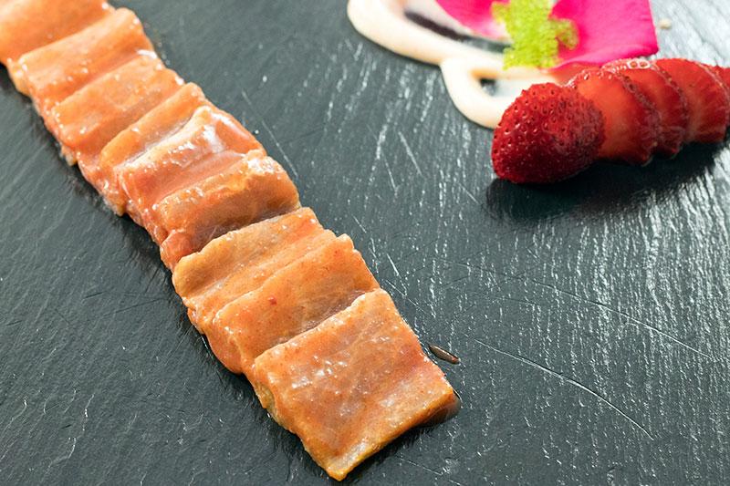 sashimi toro de atún rojo en restaurante arohaz