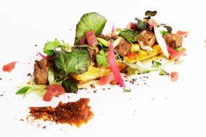 Coca de verduras con atún