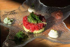 tartar de atún rojo con aguacate