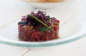 Tartar de atún rojo en chiringuito los Sueños