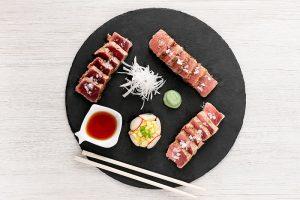 tataki de atún rojo en restaurante la sal