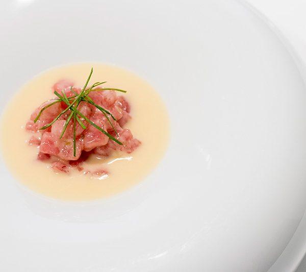 ensalada con ventresca de atún rojo en mantua
