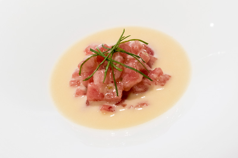 Ensalada con atún rojo
