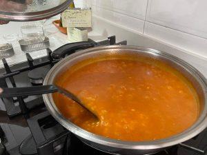 Cocinando arroz con atún
