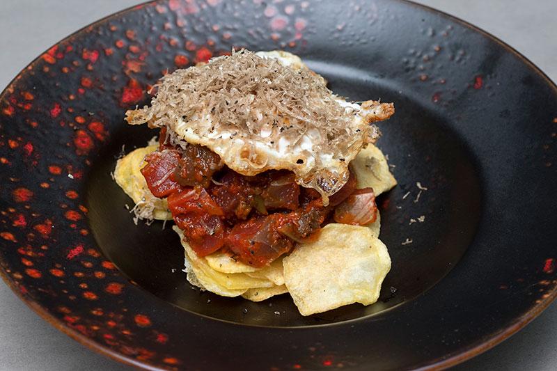 Tacos de atún rojo con salsa de tomates